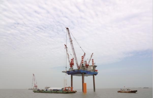 海上风电场塔筒吊装